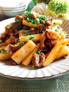 夕飯のおかず☆みんな大好き♪豚こま肉と長いもの焼肉のたれ炒め