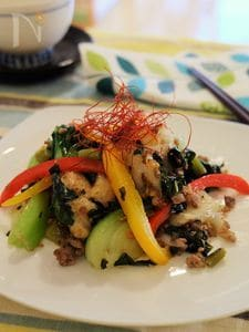 彩り野菜と高菜ともちの中華炒め。