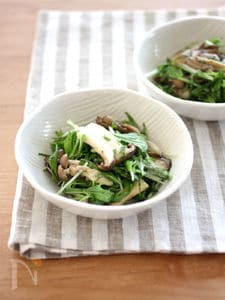 焼ききのこと水菜のサラダ
