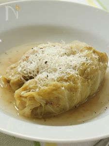 十六穀米とパルミジャーノ・レッジャーノの和風ロールキャベツ