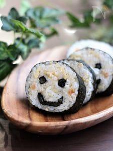 【飾り巻き寿司】にこにこスマイルマーク