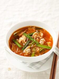 あさりと豚の辛いスープ