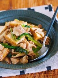 超簡単♪栄養満点♪『豚こまと厚揚げの上海風♡具沢山あんかけ』