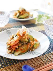 5分で簡単おつまみ、きゅうりと白菜キムチ和え