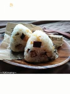 お弁当に〜干し桜えびと椎茸のオイルおにぎり〜