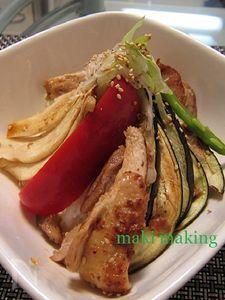 鶏の照焼きと彩り野菜の丼ぶり