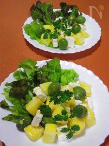◆パイナップルとフェタチーズのサラダ◆ 仲人はオリーブ