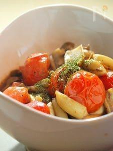 キノコとトマトのぱぱっと炒め