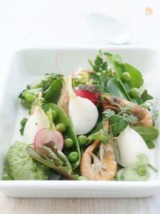 グリーンピースのペーストで頂くグリーンサラダ