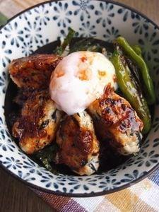 鶏豆腐つくねの梅照り丼