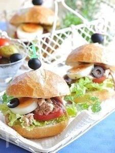 南仏ニース名物サンド、パン・バニャ