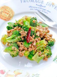 W天塩de豚挽肉とブロッコリーの炒め物。