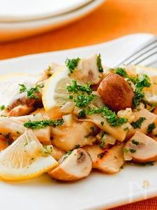 鶏とキノコの塩レモンソース煮