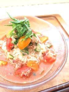 夏バテ予防のトマツナ素麺
