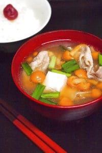 パワーアップ!ナメコの豚バラ豆腐汁