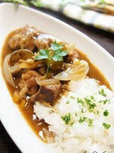 マグロのほほ肉デミグラスシチュー