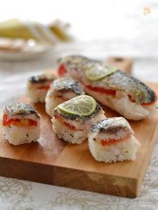 すだち仕立てさんまの洋風棒寿司