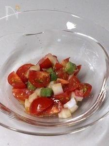 まぜるだけ!簡単なちゅこしょうゆ麹トマトサラダ