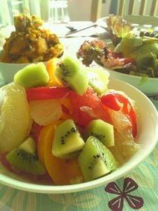 グレープフルーツとキウイ、パプリカの蜂蜜生姜マリネ