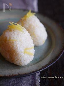 生姜と昆布だしの炊き込みむすび