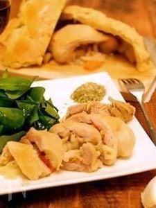 鶏もも肉の塩釜焼き。オリジナルスパイスで味が引き立つこだわり