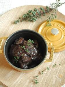 牛肉の赤ワイン煮込み