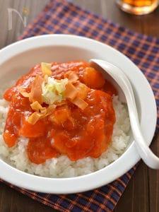 トマト海老チリ丼