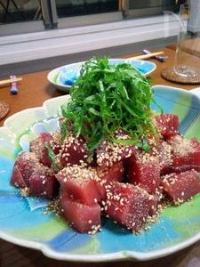 マグロのヅケ・胡麻風味