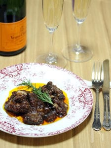 豚ばら肉の赤ワイン煮