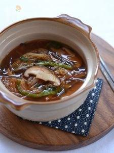 椎茸と春雨のチゲスープ