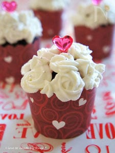 ホワイトチョコ薔薇クリーム&チョコレッドマフィン