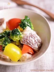 鯛と彩り野菜の中華風塩麹蒸し
