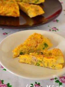 じゃが芋とひき肉のローズマリー風味オムレツ