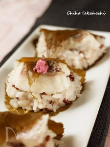 赤米と鯛の桜もち風