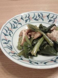 稲荷の皮ですぐ!小松菜の煮びたし。
