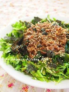 スピードレシピ!春菊とワカメの焼肉サラダ