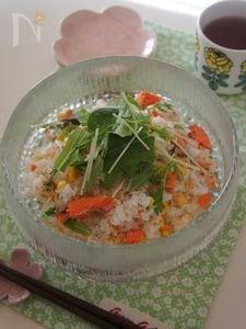フライパンで手軽に♪塩鮭とコーンの混ぜご飯