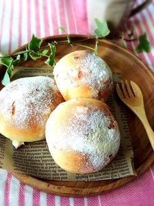 レッドチェダーのふわふわ丸パン