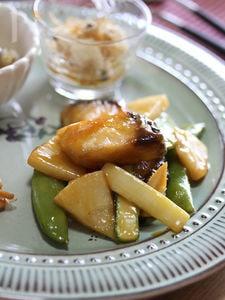 鰆と春野菜のヴィネガー炒め