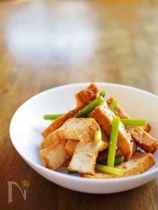 ニンニクの芽の香りを活かし、生姜醤油でシンプルな味付けに仕上