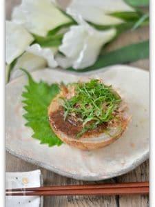 玉ねぎのオーブン焼き梅ソースかけ