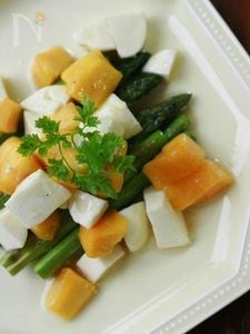 アスパラソテー~マンゴー&チーズのサラダ仕立て~