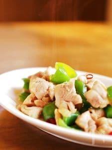 鶏肉とピーマンのガーリック・ピリ辛炒め