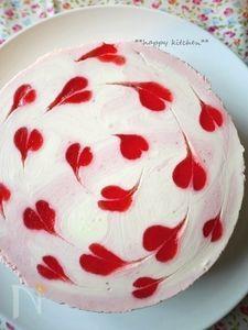 ハート模様のストロベリーマーブルチーズケーキ