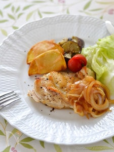 カリカリチーズチキンと白ワイン醤油オニオン
