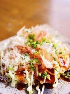 パルミジャーノ・チーズ入り★米粉のお好み焼き