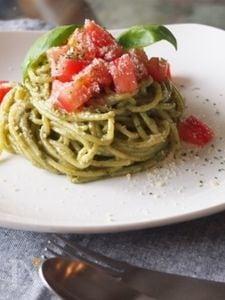 フレッシュトマトの胡桃ジェノベーゼ
