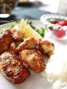 ごま油とレモン風味の柔らか鶏むね肉塩麹焼き