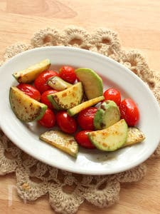 ズッキーニとプチトマトのシンプルレモン塩炒め