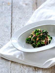 サラダスティック(カニ風味かまぼこ)と菜の花のシーチキン胡麻和え